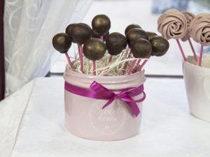 Cake Pops w polewie z mlecznej czekolady