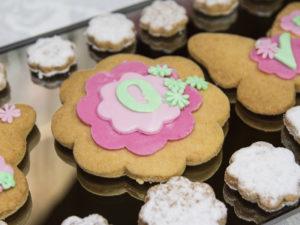 Kruche ciasteKruche ciasteczka maślane dekorowane masą cukrową 3